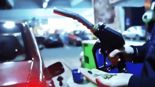 """Toți cei cu mașini pe benzină și motorină trebuie să vadă asta. """"Revoluția"""" care are loc la această benzinărie"""