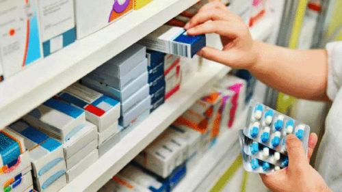 Aplicația de tipul Waze, care pică la fix în criza medicală: cum afli în ce farmacie găsești medicamentele de care ai nevoie