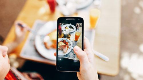 Rivalul Uber vrea să lanseze în România un serviciu de mâncare după plecarea Eats