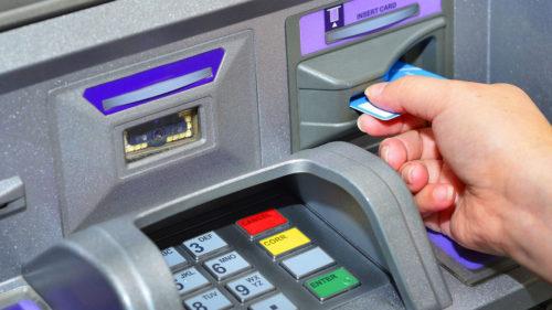 Răsturnare de situație pentru românii care au cont și card bancar. Rămâi fără bani dacă pici în această plasă