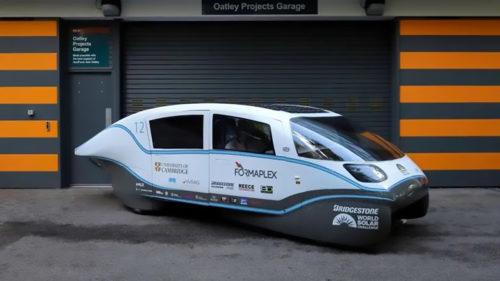 Mașina electrică cu panouri solare, o lecție pentru Tesla: autonomia e mai mare decât la diesel sau benzină