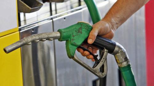 Anunțul îngrijorător pentru toți cei cu mașini pe motorină și benzină. Se întâmplă pe plan mondial și arde grav la buzunar