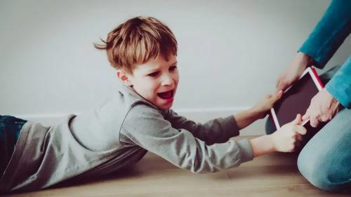 Ce se întâmplă cu copiii, din cauza telefoanelor și tabletelor: impactul dezastruos asupra sănătății