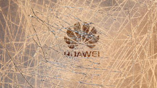 Huawei a rămas și fără ecrane la telefoane: cine a mai decis să rupă legătura cu chinezii