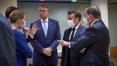 Klaus Iohannis, fără mască de protecție la Bruxelles: argumentul președintelui pentru gestul ciudat