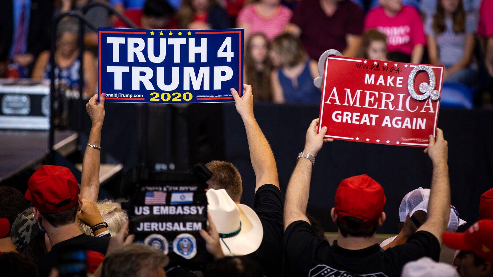 QAnon suporteri Trump / Sursa foto: NYT