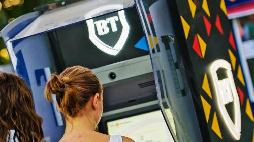 Se întâmplă la Banca Transilvania chiar acum: mutare uimitoare pentru piața din România