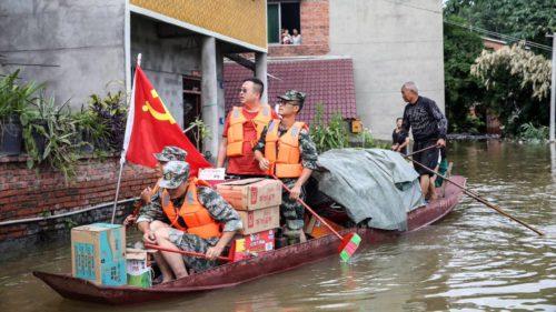 Statuia lui Buddha riscă să fie luată de ape din cauza inundațiilor din China