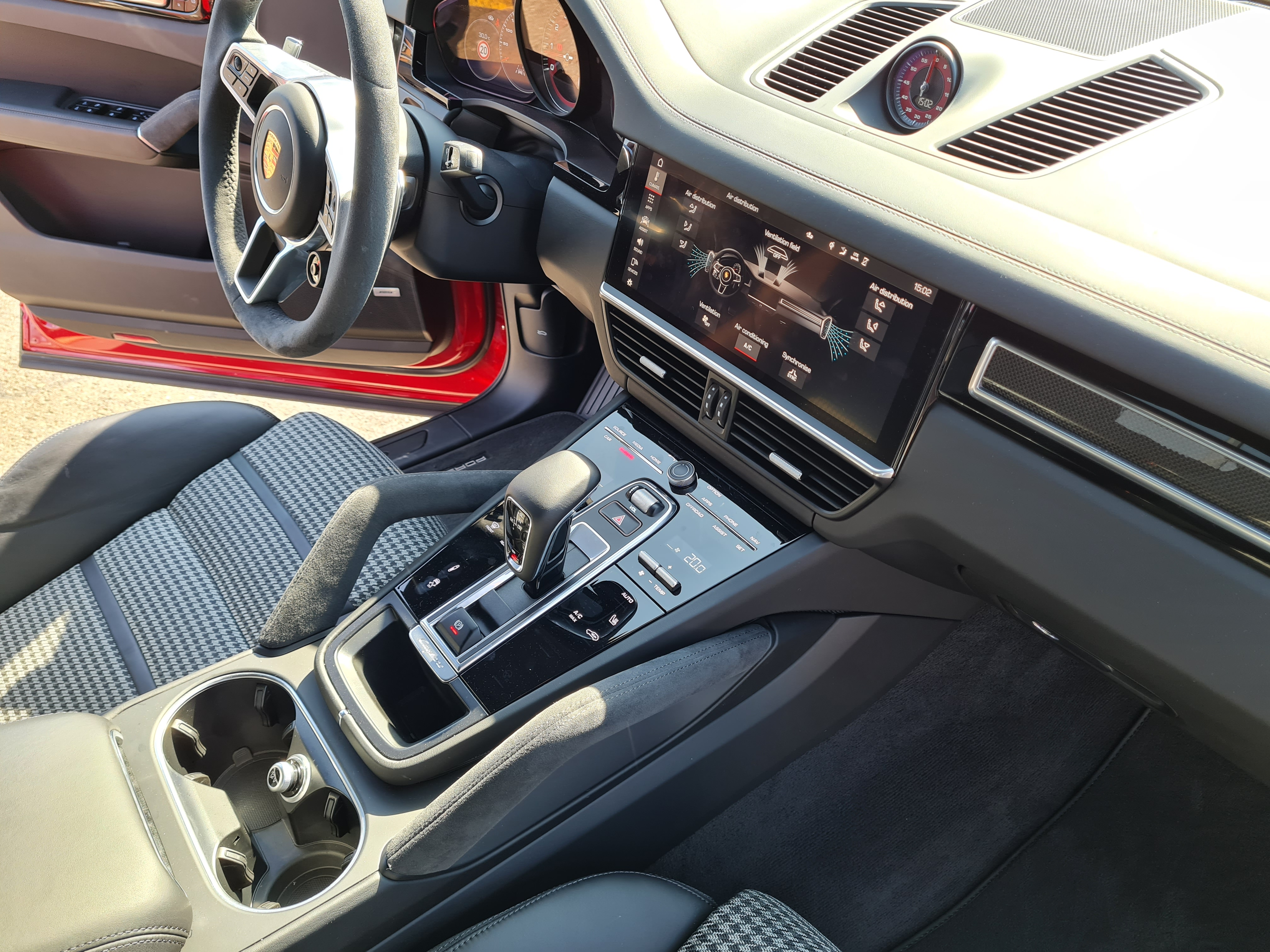 Interior Porsche Cayenne GTS Coupe