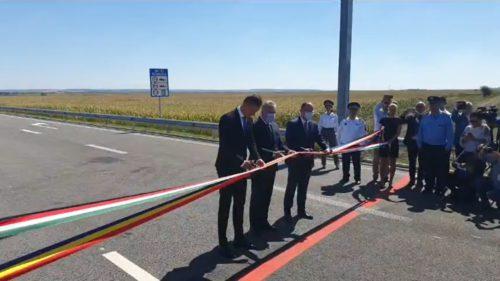 Bătaie de joc: cum se laudă oficialii cu doar 5 kilometri de autostradă finalizați în 2020