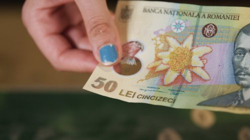 Trebuie să știi asta urgent: românii care au cont bancar sunt vizați. Te costă enorm dacă nu faci asta
