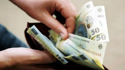 Se dau bani pentru mii de români: stimulentul ajunge la 2.000 de lei. Cine primește?
