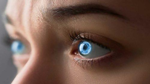 Primul ochi bionic uman e gata și medicii se pregătesc să-l implanteze