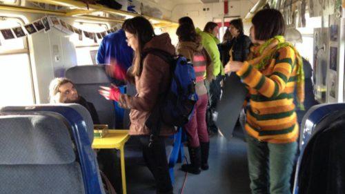Cum sunt amăgiți studenții de CFR că-și pot rezerva online călătoriile cu trenul