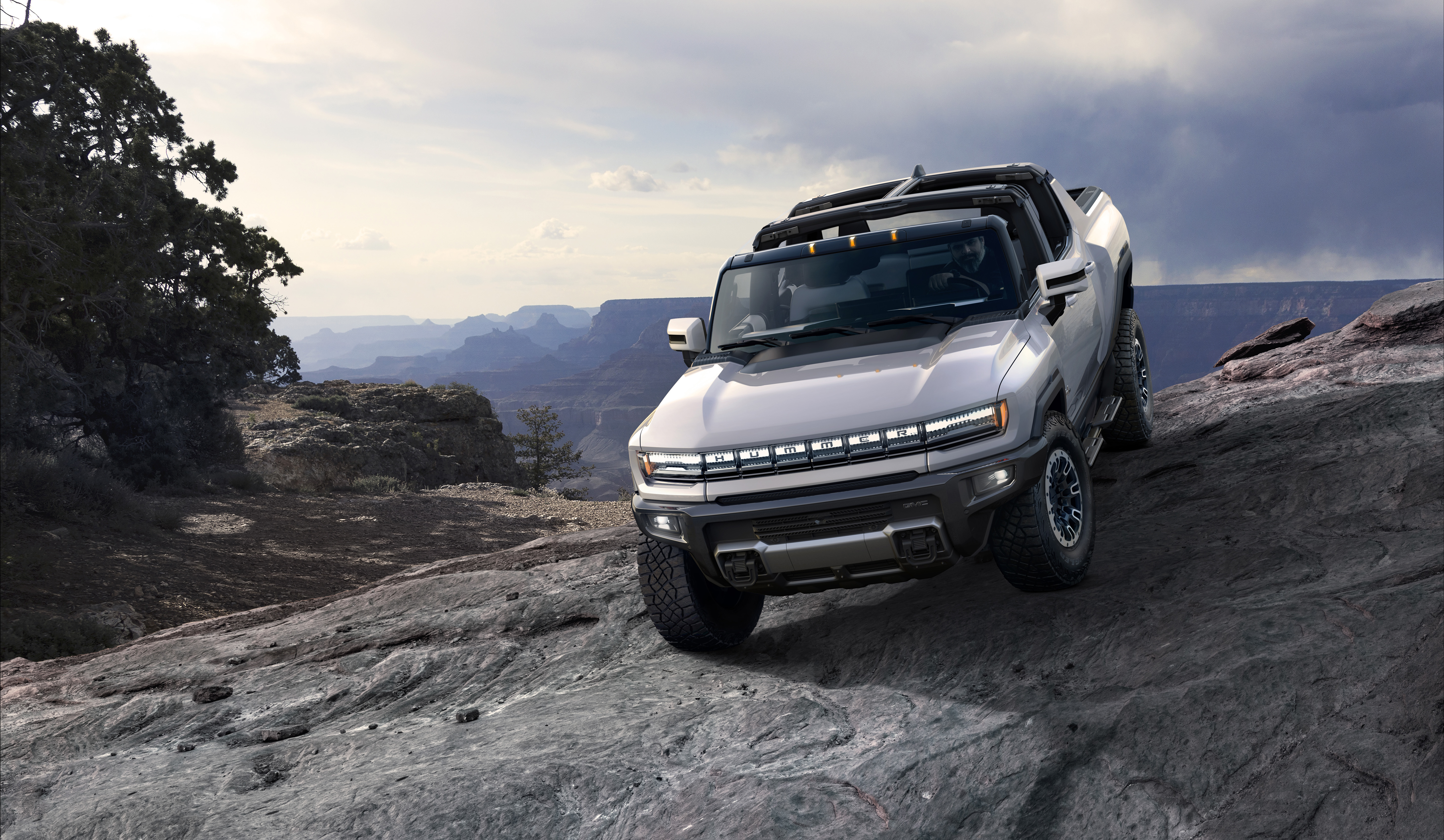 The 2022 GMC HUMMER EV is a first-of-its kind supertruck developed to forge new paths with zero emissions.