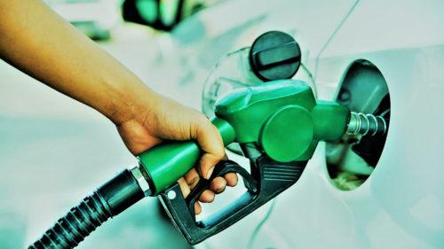Toți șoferii sunt cu ochii pe pompă: se întâmplă cu benzina și motorina. Vestea face înconjurul planetei