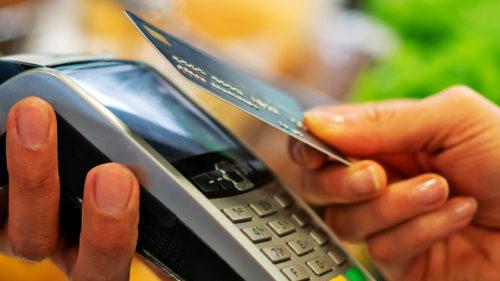 Atenție la plățile cu cardul, online! Ești în pericol să rămâi fără bani