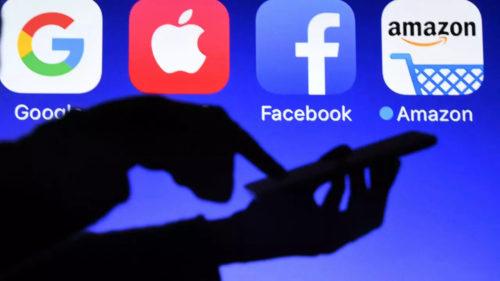 Giganții care conduc lumea: câți bani fac Apple, Google și Facebook de pe urma ta