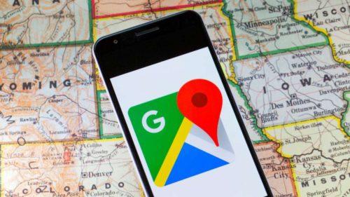 Google Maps îți permite acum să plătești pentru parcare și călătorii direct în aplicație
