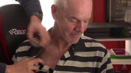 Pacienții paralizați ar putea să trimită mesaje și emailuri cu ajutorul acestui implant