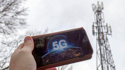Cum au ajuns unii oameni să cumpere protecție împotriva falsului pericol 5G