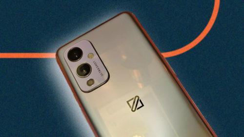 Unul dintre cele mai așteptate telefoane din 2021 a ajuns deja pe eBay. Cum concurează cu Samsung S21