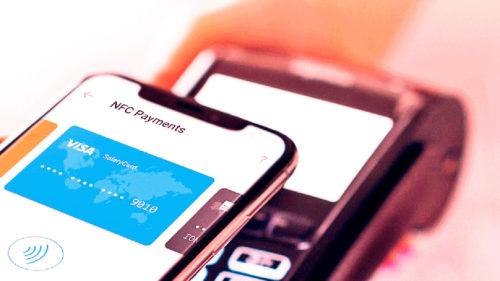 Plata cu telefonul sau cardul în România se va schimba radical. Totul începe de la acest anunț