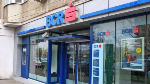 BCR tocmai a făcut anunțul: se dau sute de lei românilor. În ce condiții poți primi banii?