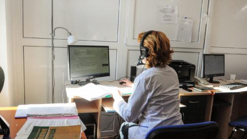 Bugetarii, imuni la pandemie: de ce este senzațional să lucrezi la stat, în România