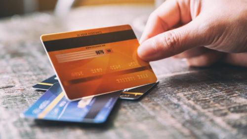 Toți cei care au cont și card bancar trebuie să afle urgent: una dintre cele mai mari bănci a făcut anunțul