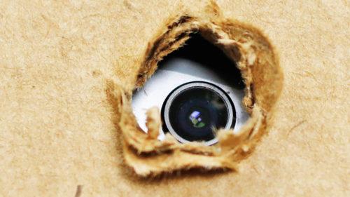 Și-a spionat clienții, după ce le-a instalat camere de supraveghere: cum te protejezi