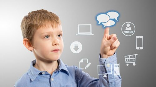 Decizia de care trebuie să știe părinții: vizează direct copiii care stau pe internet