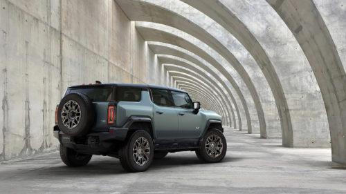 <span class='highlight-word'>VIDEO</span> Hummer EV SUV, poate cea mai puternică mașină electrică: când se lansează, cât costă