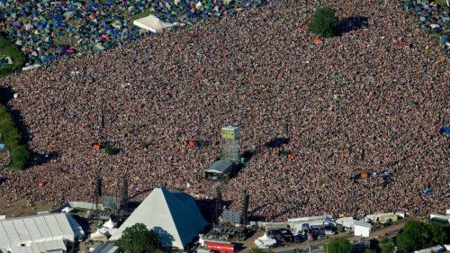 Încă un festival de renume ajunge online: concertele gratuite de la Glastonbury Festival