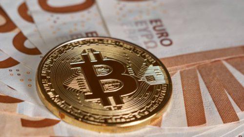 Piața Bitcoin a crescut mult mai repede decât valoarea Apple, Amazon și Microsoft: e de bine sau e doar o bulă speculativă?