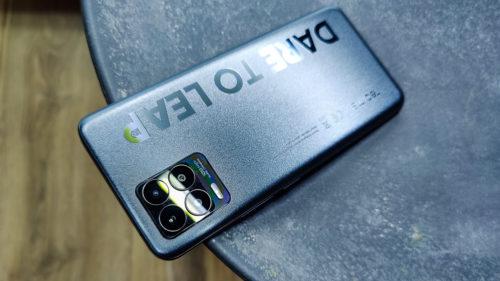 Următorul tău telefon poate fi un realme 8 Pro: prețul e excelent, iar camera foto e de 108 MP