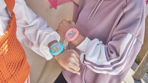 Tamagotchi, reinventat pentru generația smartwatch: bătrânul gadget aniversează 25 de ani