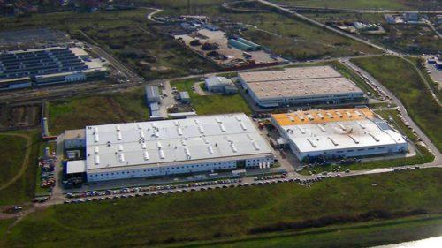 Gigantul care ar putea lăsa pe drumuri sute de angajați din România: de ce închide una dintre fabrici