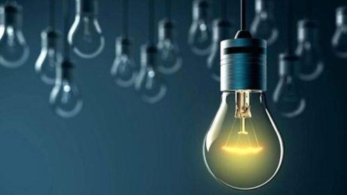 Câți români au evitat facturile uriașe la energie electrică. Cum a împărțit ANRE amenzi de milioane