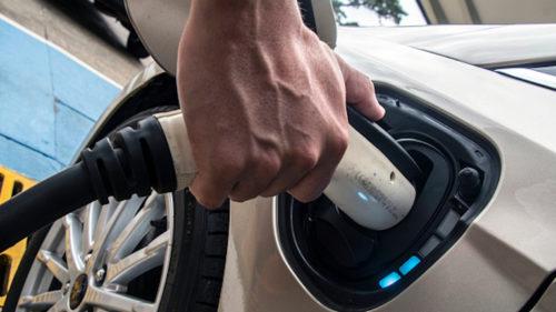 Bateria care poate încărca mașinile electrice mai repede: de ce pare revoluționară