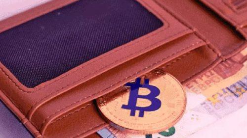 Unde dai și unde crapă. Pe fondul represiunilor aplicate de China, minatul după Bitcoin ar putea deveni mai simplu și mai profitabil