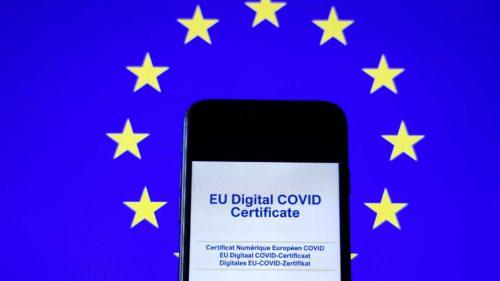 Cum descarci certificatul digital Covid-19 în România: la ce trebuie să fii atent, ce poate să meargă prost