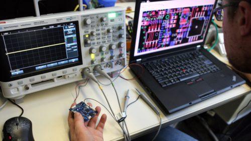 """Hackerul român care """"a spart"""" și NASA, găsit: unde l-au prins americanii"""