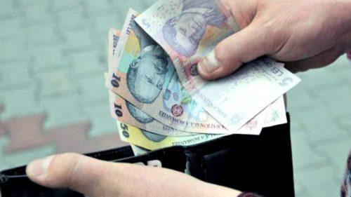 Românii și cardurile: de ce fugim de bancomate și ne place cash-ul
