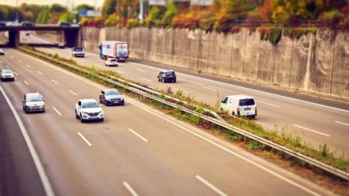 Atenție, șoferi. Veți primi avertizări cu privire la gropile de pe asfalt. Cum e posibil