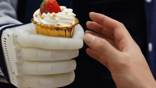 Eco Flex, mâna gonflabilă care o poate înlocui pe cea adevărată. Cine își va permite să o achiziționeze