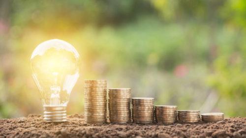 Scumpirile la energie electrică, doar la început: de ce vom plăti din ce în ce mai mult, conform experților