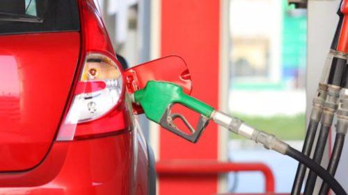 Vestea proastă a dimineții pentru toți cei cu mașini pe benzină și motorină. Ce se întâmplă cu prețurile la pompă pentru români