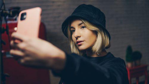 Instagram afectează sănătatea mintală a adolescenților: de ce are un impact mai mare asupra fetelor tinere