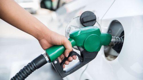 """Se întâmplă la pompă cu prețul la benzină și motorină, iar totul pleacă de la petrol: ce au decis """"giganții"""""""